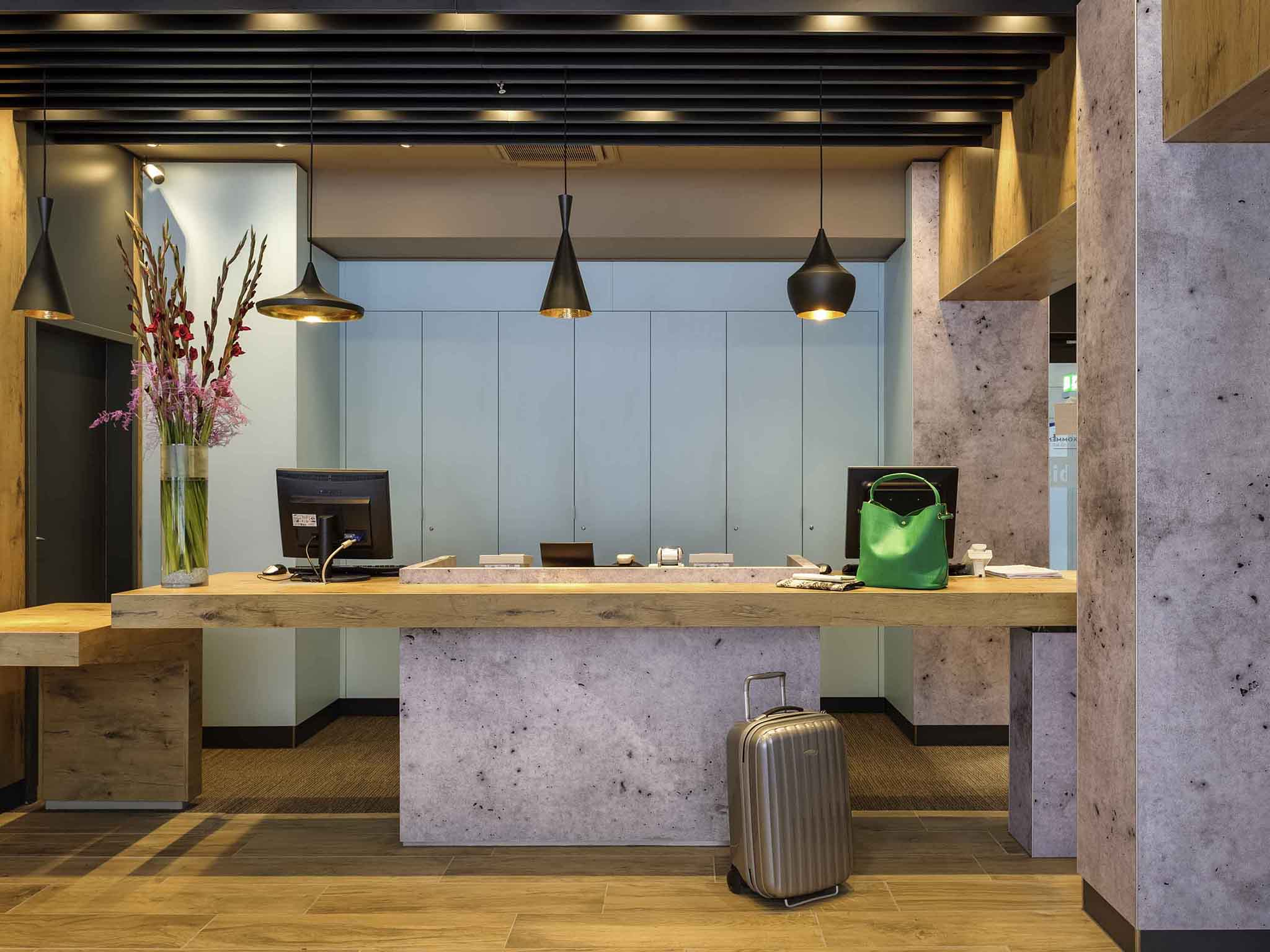 Hotel ibis Cologne Am Dom. Book your hotel in Cologne now!