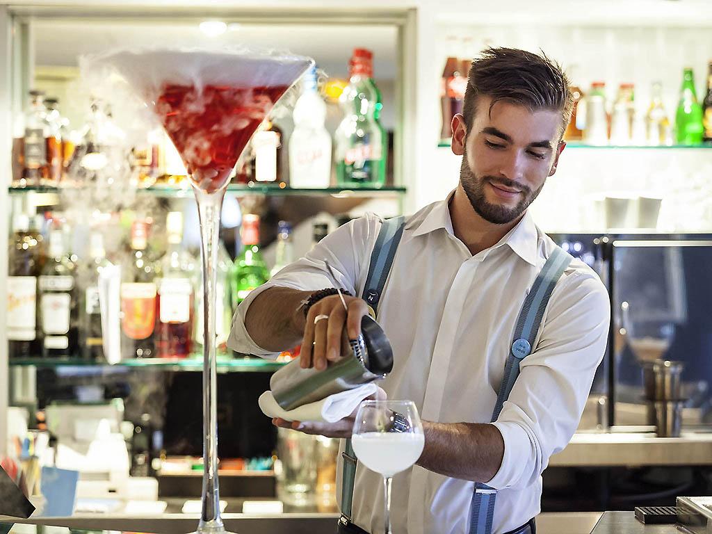 Novotel Cafe La Defense Restaurants By Accorhotels