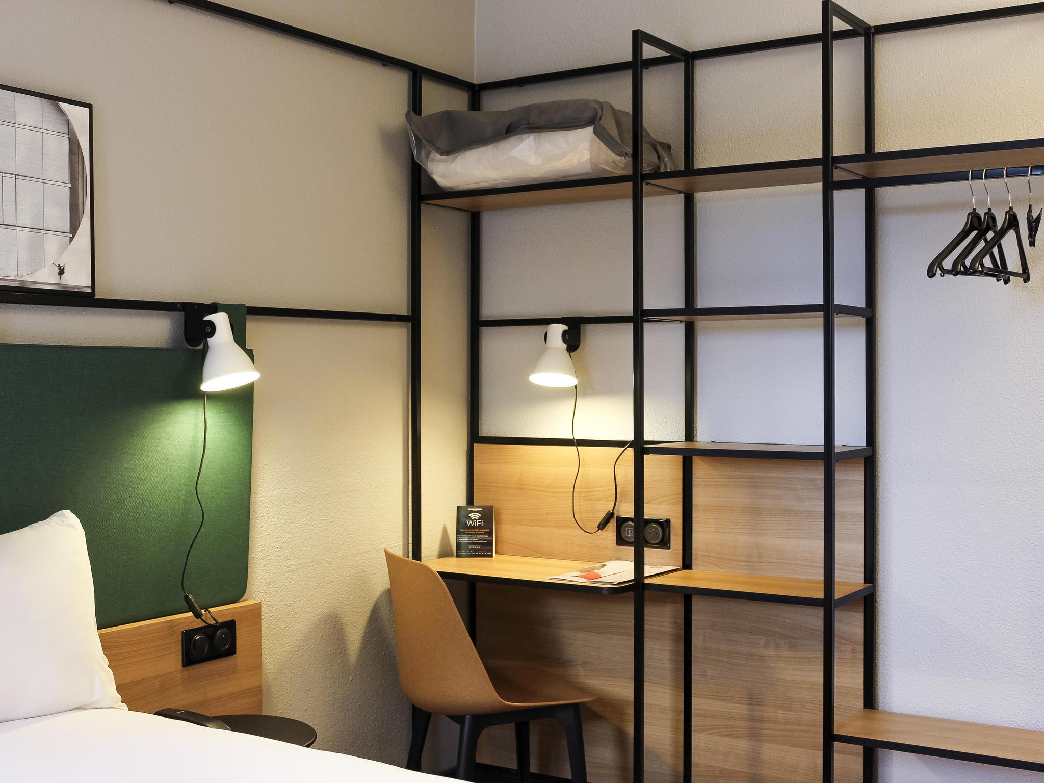โรงแรม – ibis Évry
