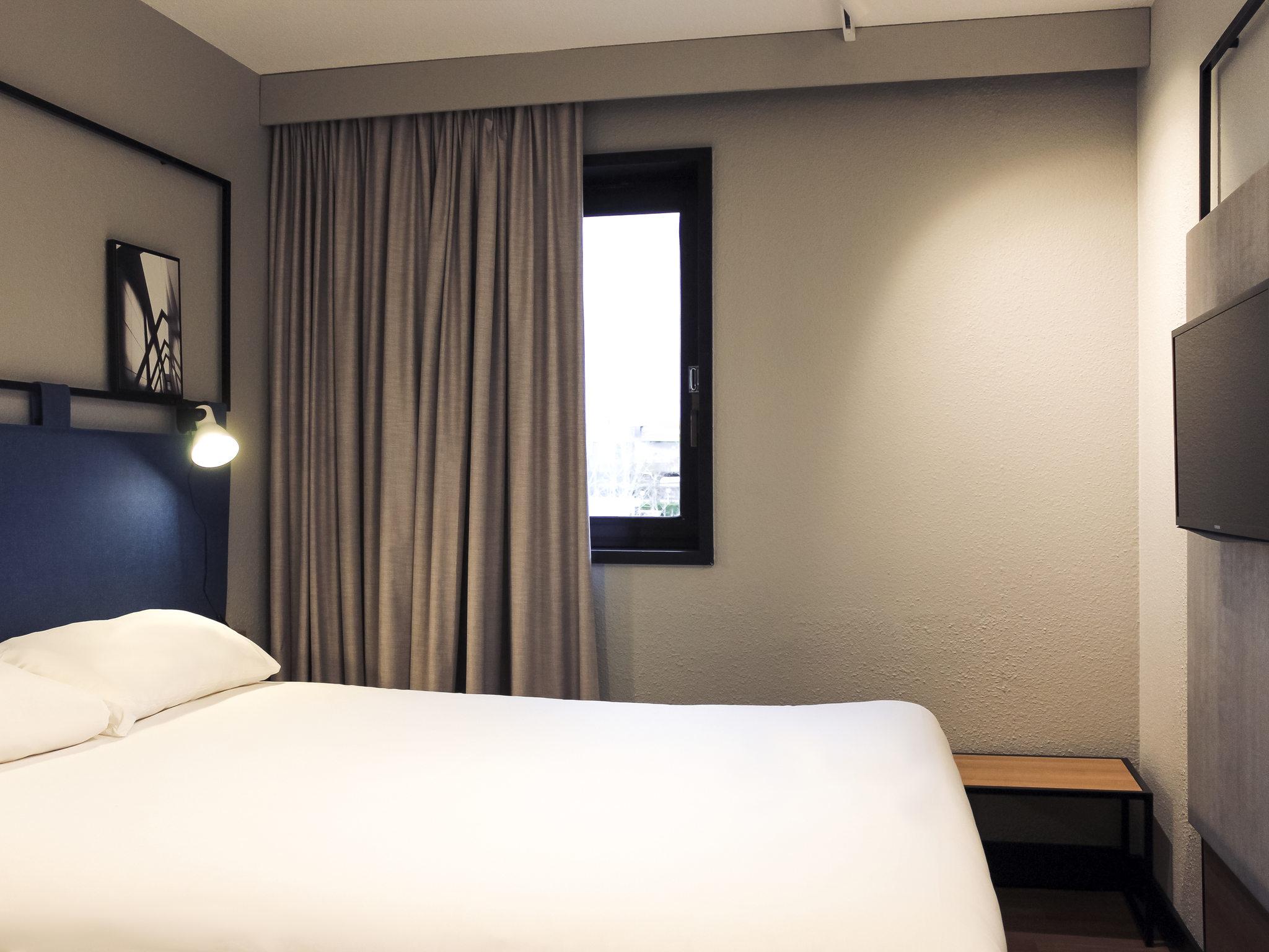 Hotel in EVRY - ibis Évry