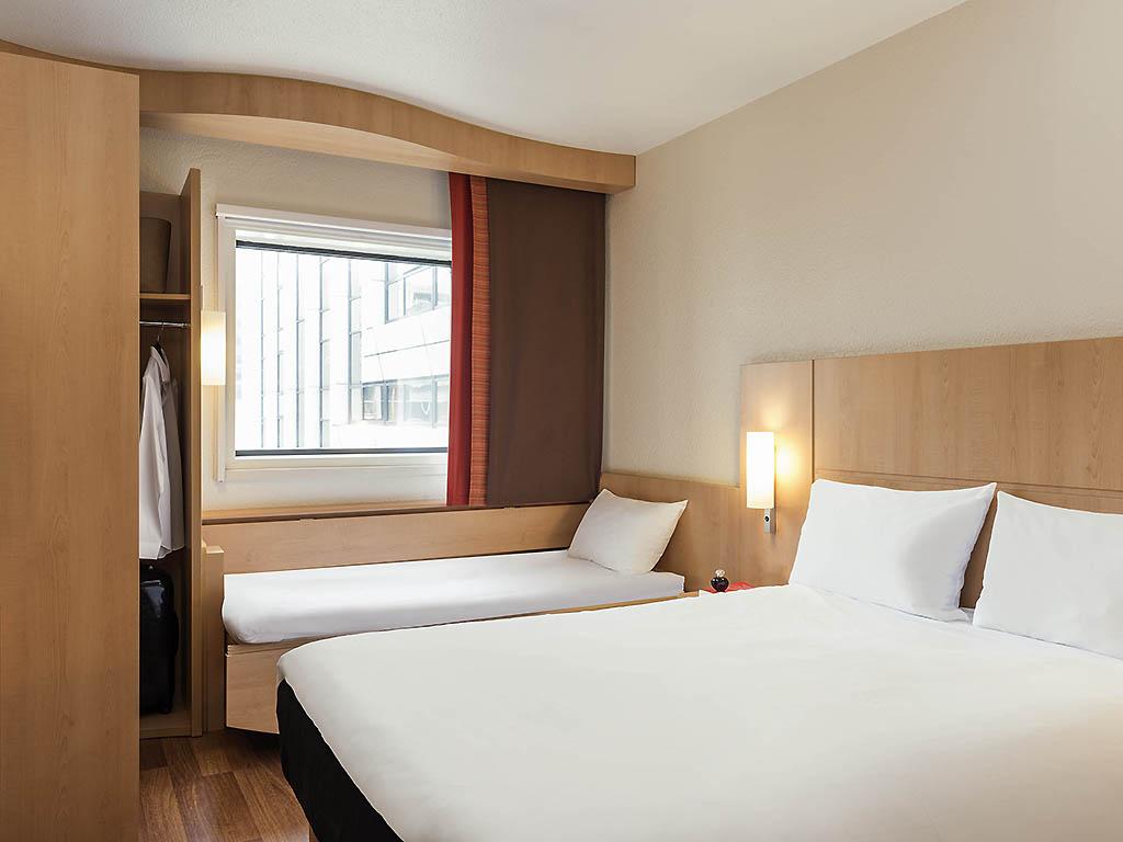 Hotel pas cher courbevoie ibis paris la d fense centre for Hotel pas cher paris 14e