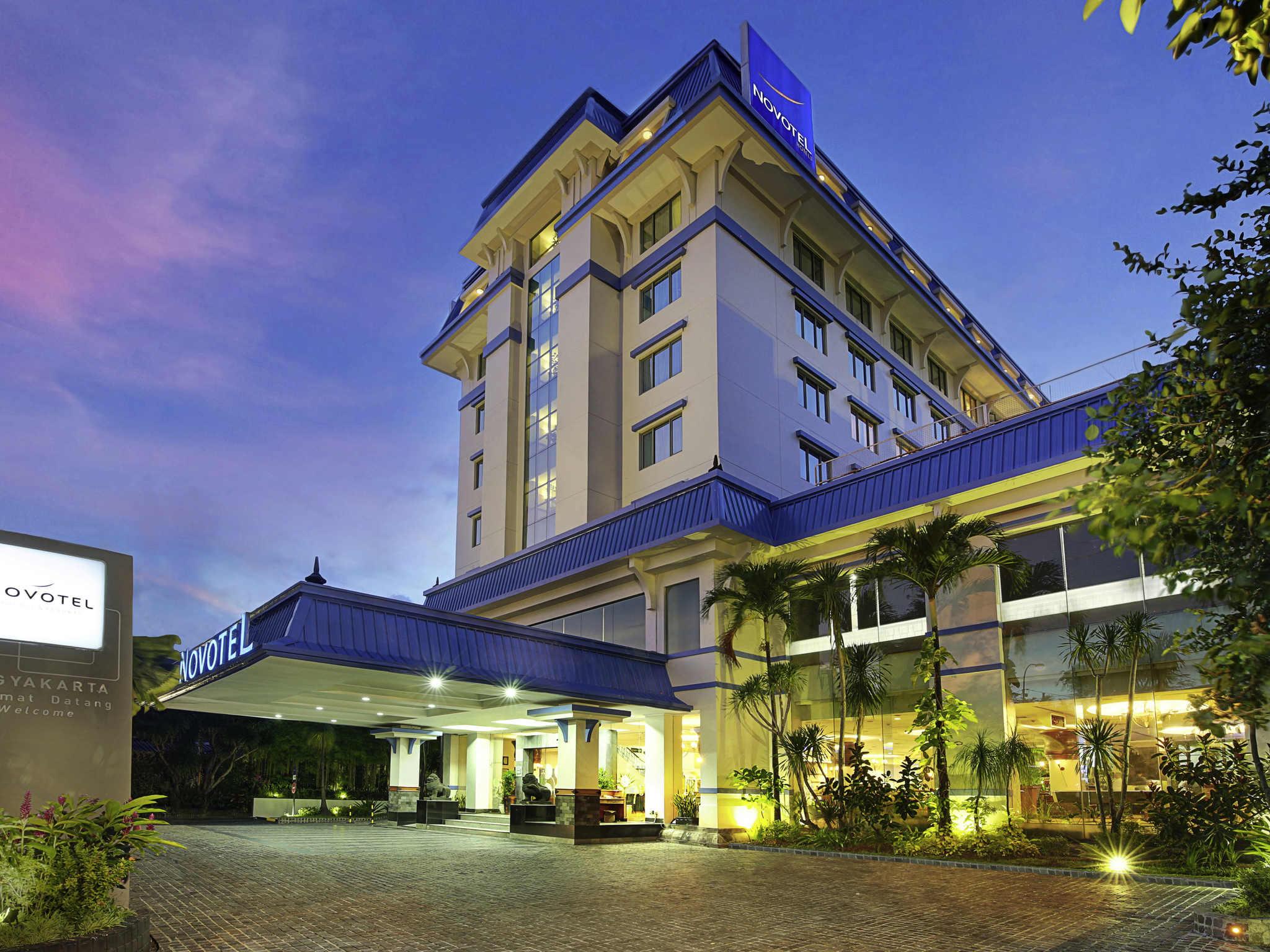 Отель — Novotel Джокьякарта