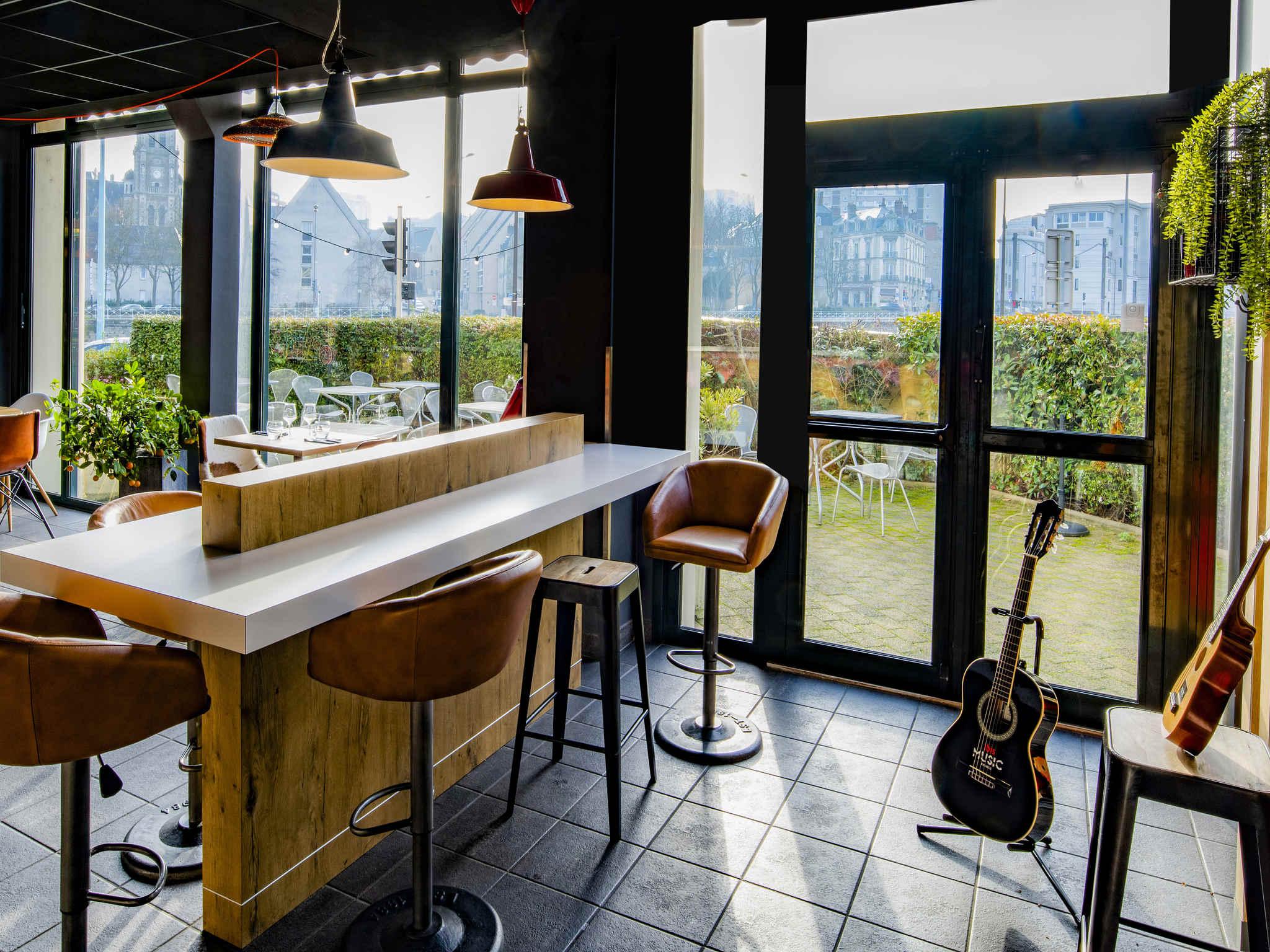 h tel le mans ibis le mans centre. Black Bedroom Furniture Sets. Home Design Ideas