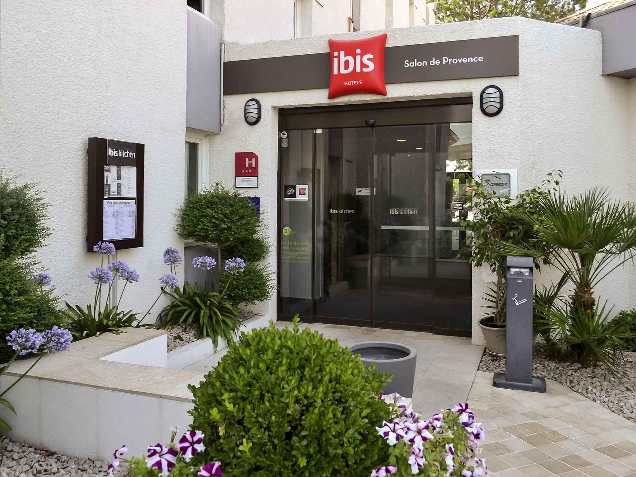 Hotel di ibis salon de provence sud ibis salon de for Hotel regina salon de provence