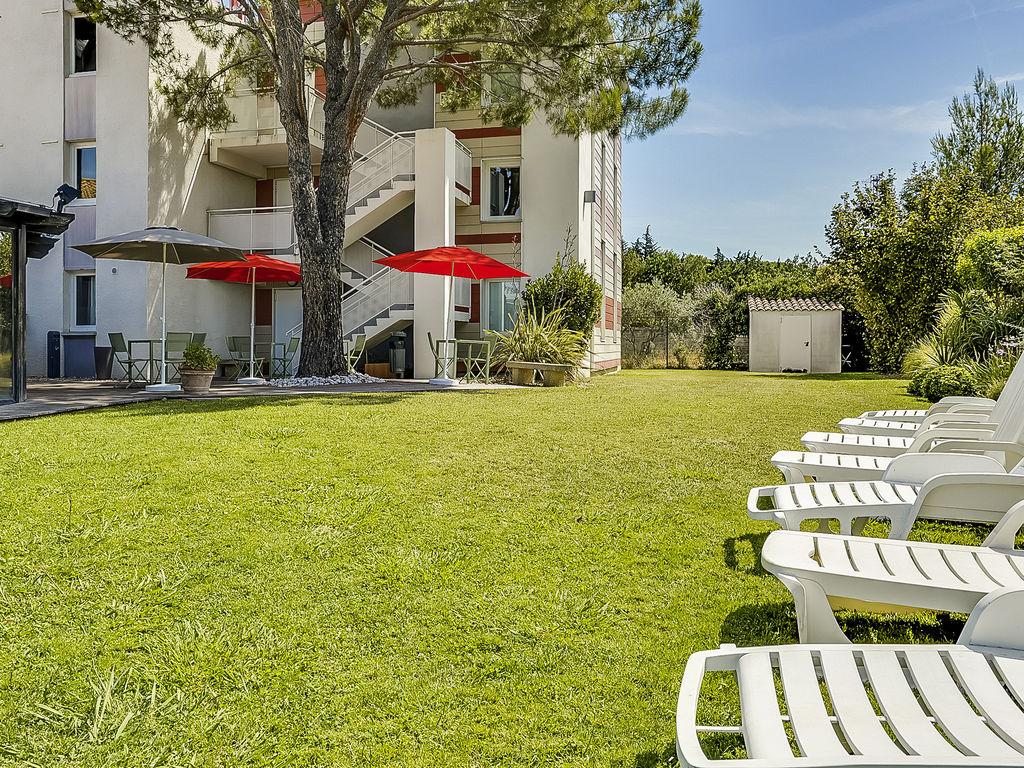 Hotel in salon de provence ibis salon de provence south for Salon de provence