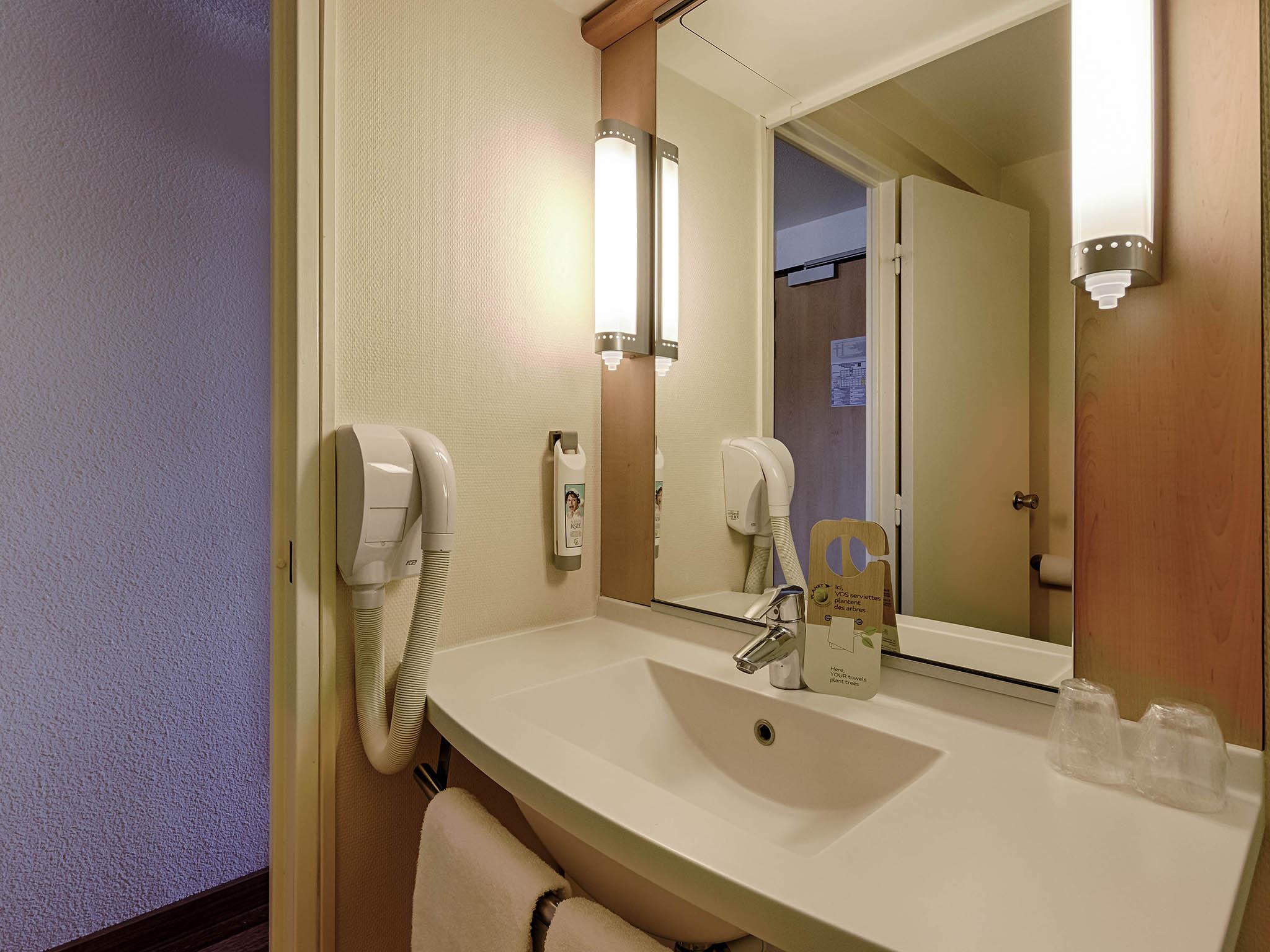 Hotel in ROUEN - ibis Rouen Centre Rive Droite