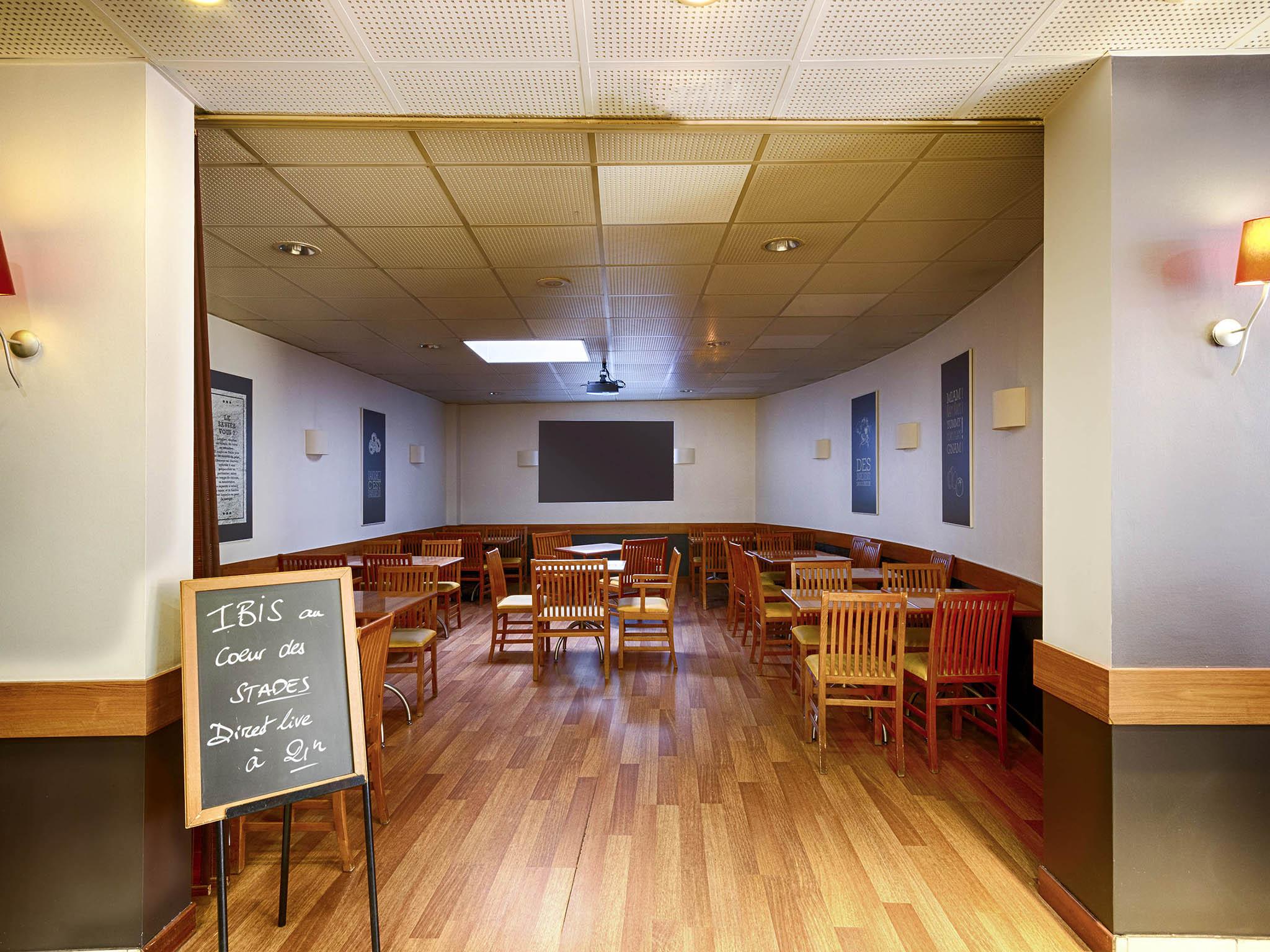 Hotel di ibis rouen centre rive droite ibis rouen centre for Adagio rouen