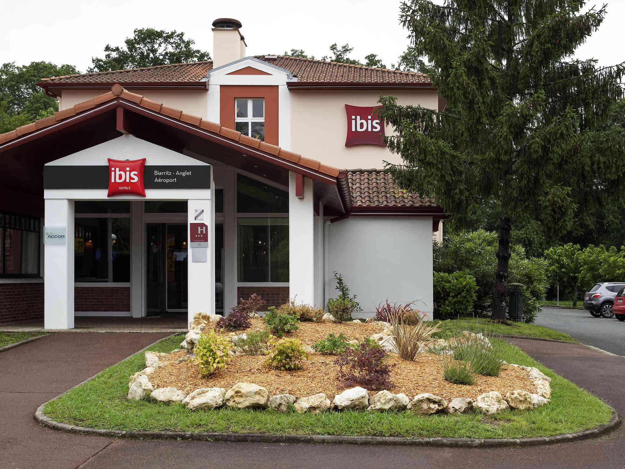 Отель — ibis Биарриц Англет Аэропорт