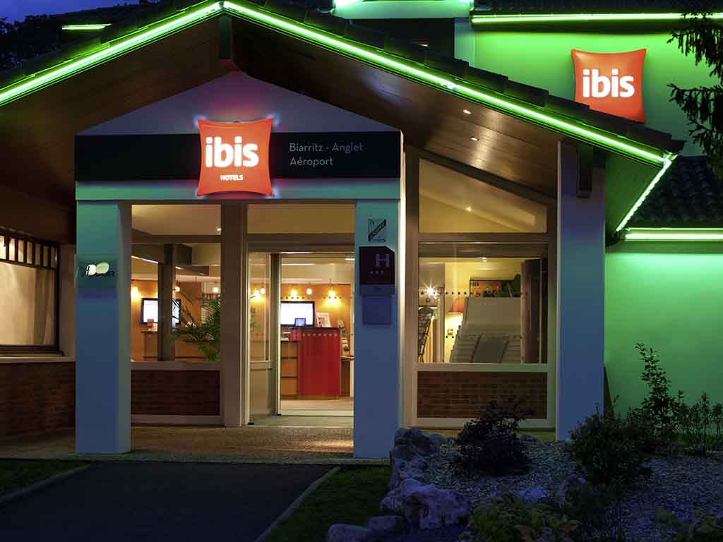 Super Cheap hotel ANGLET - ibis Biarritz Anglet Airport FE52
