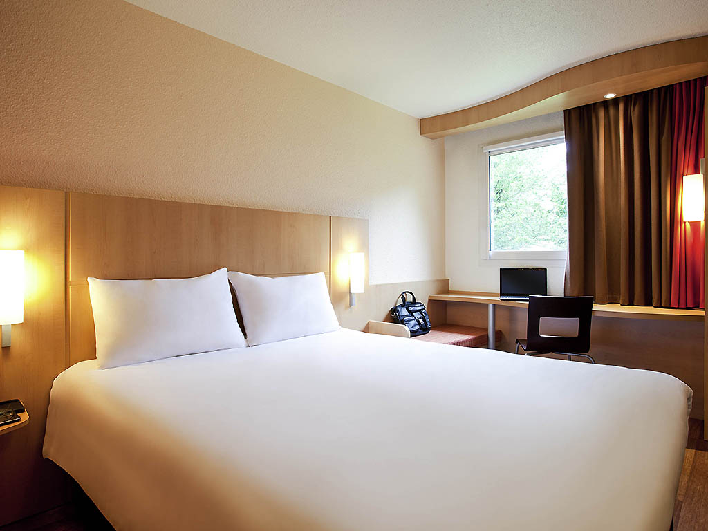 hotel pas cher anglet ibis biarritz anglet a roport. Black Bedroom Furniture Sets. Home Design Ideas