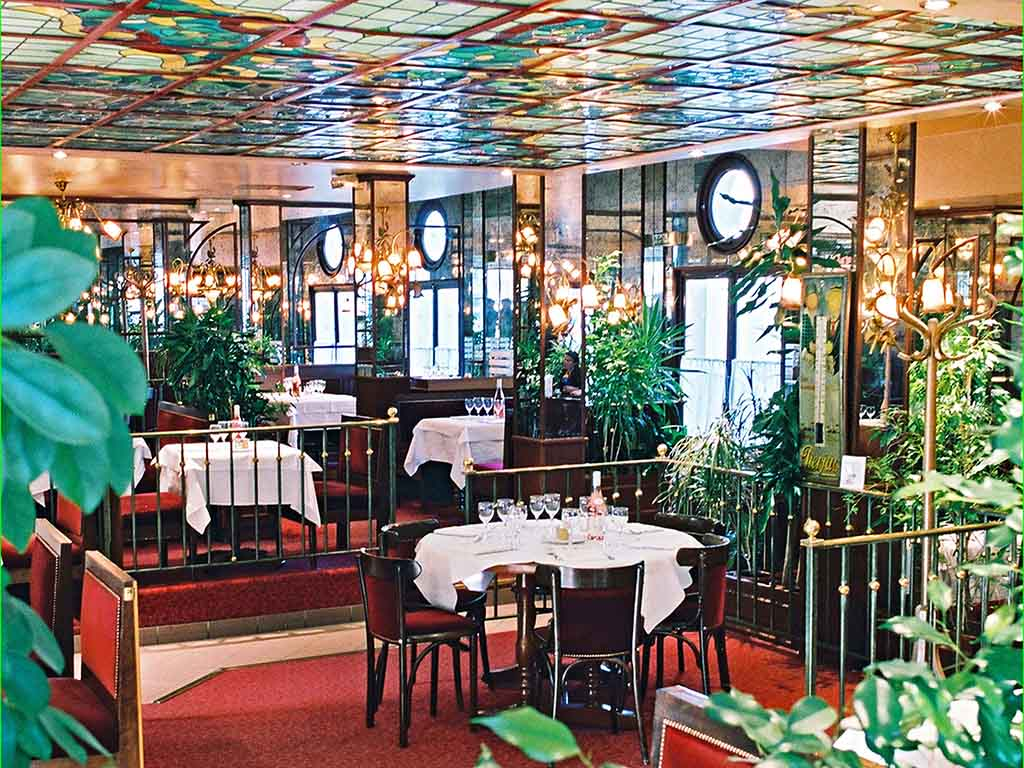 le restaurant montargis restaurants by accorhotels. Black Bedroom Furniture Sets. Home Design Ideas
