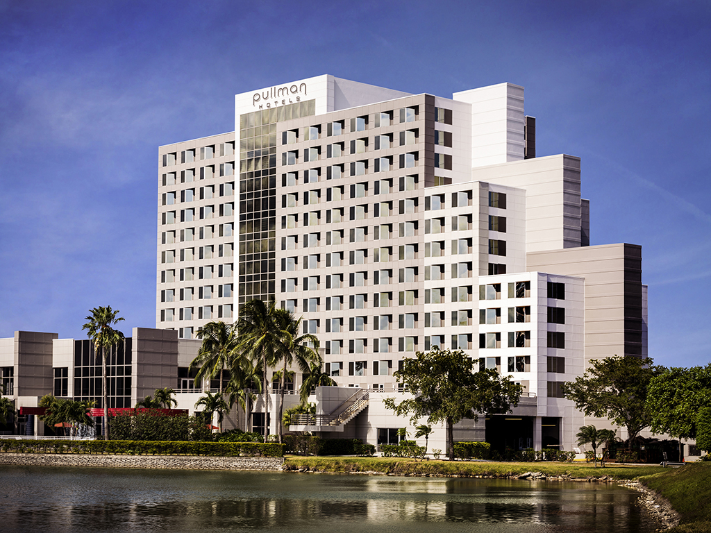 Hotel miami pullman miami airport for Pullman hotel