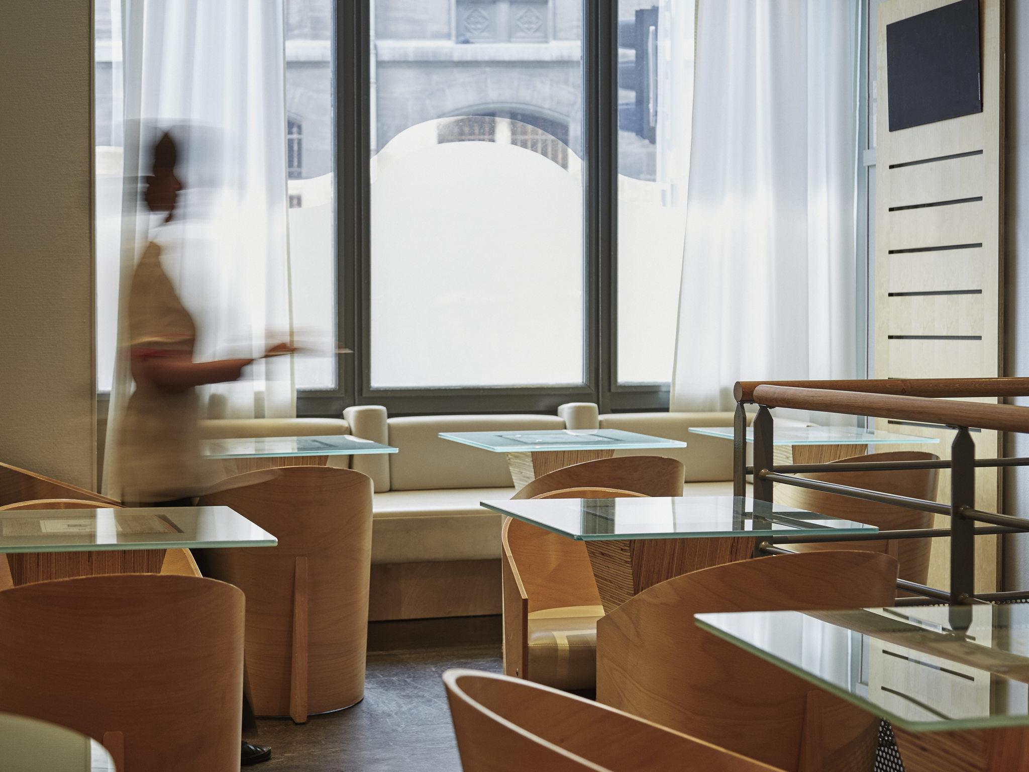 Hotel in marseille ibis marseille centre vieux port - Hotel ibis marseille centre vieux port ...