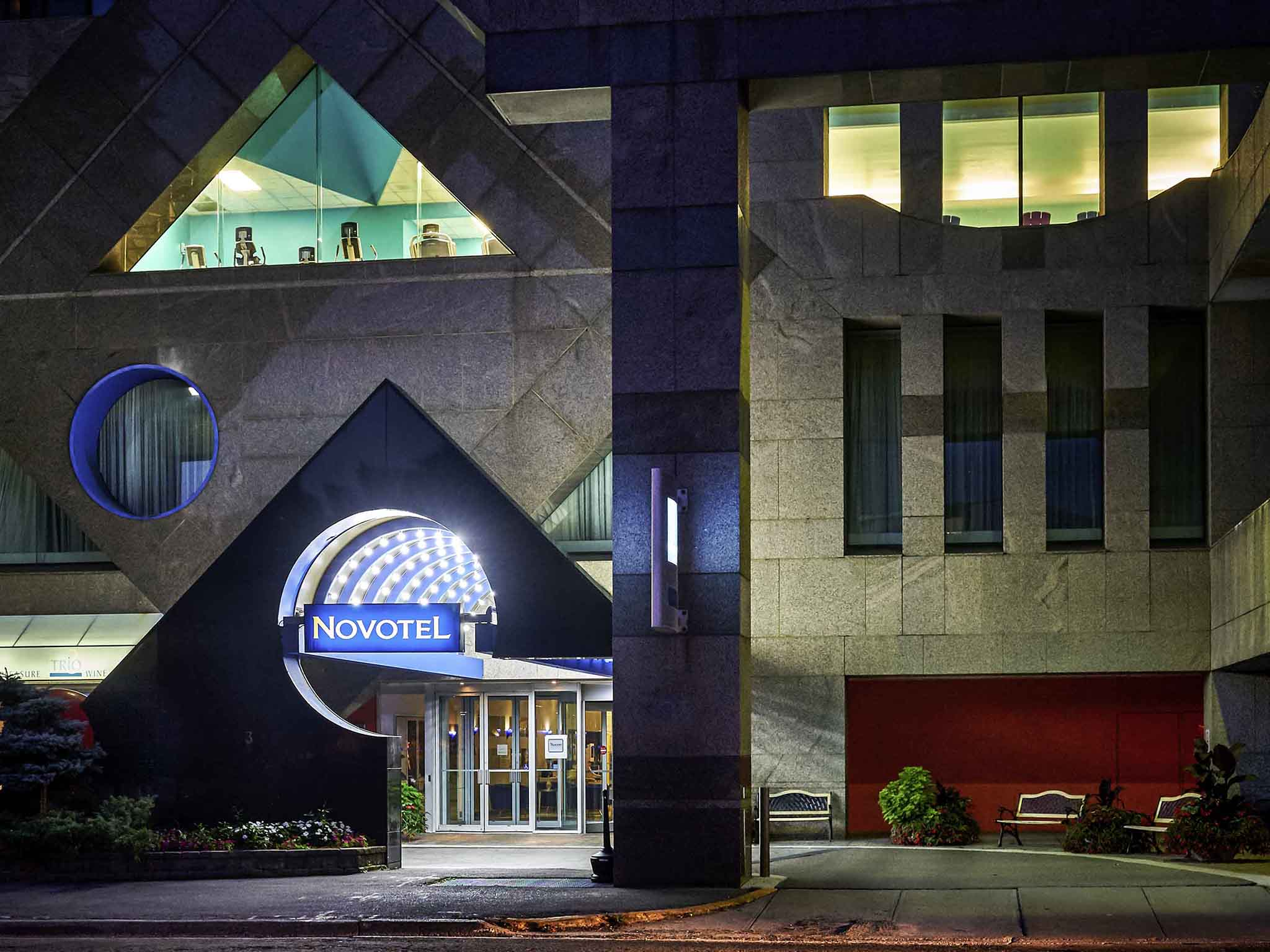 Hotell – Novotel Toronto North York