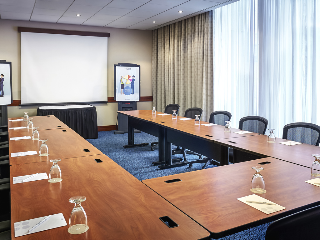 Novotel Toronto North York Meeting Room