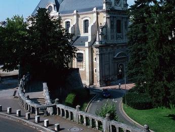 Cheap hotel blois ibis blois centre chateau - Point p blois ...