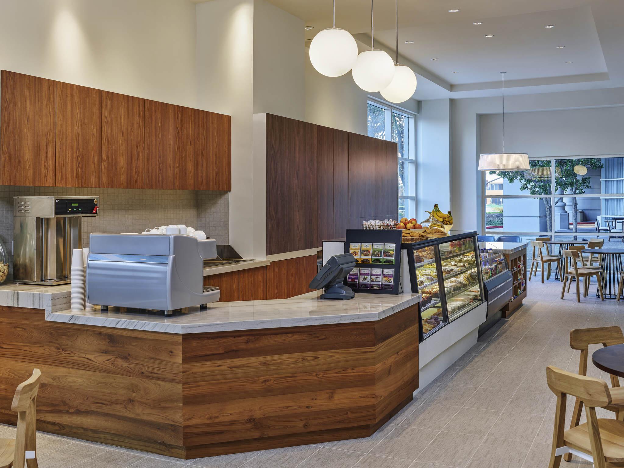 Hotel Sofitel Redwood Shores Restaurant