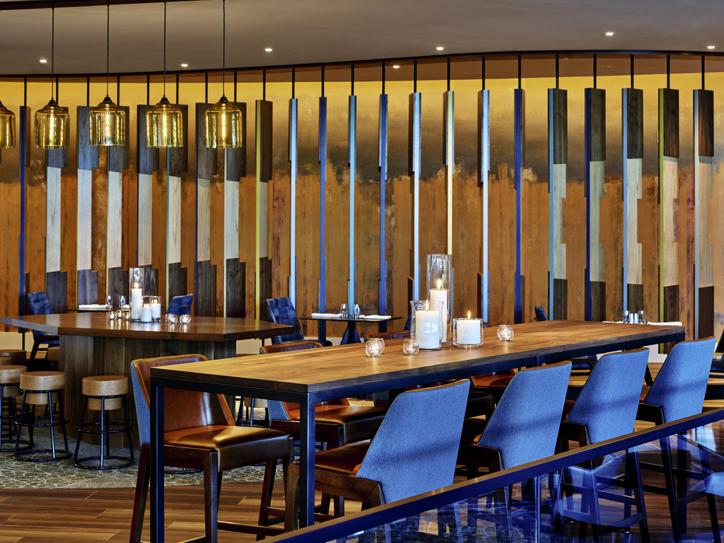 restaurant Scroll Bar Waterside Kitchen