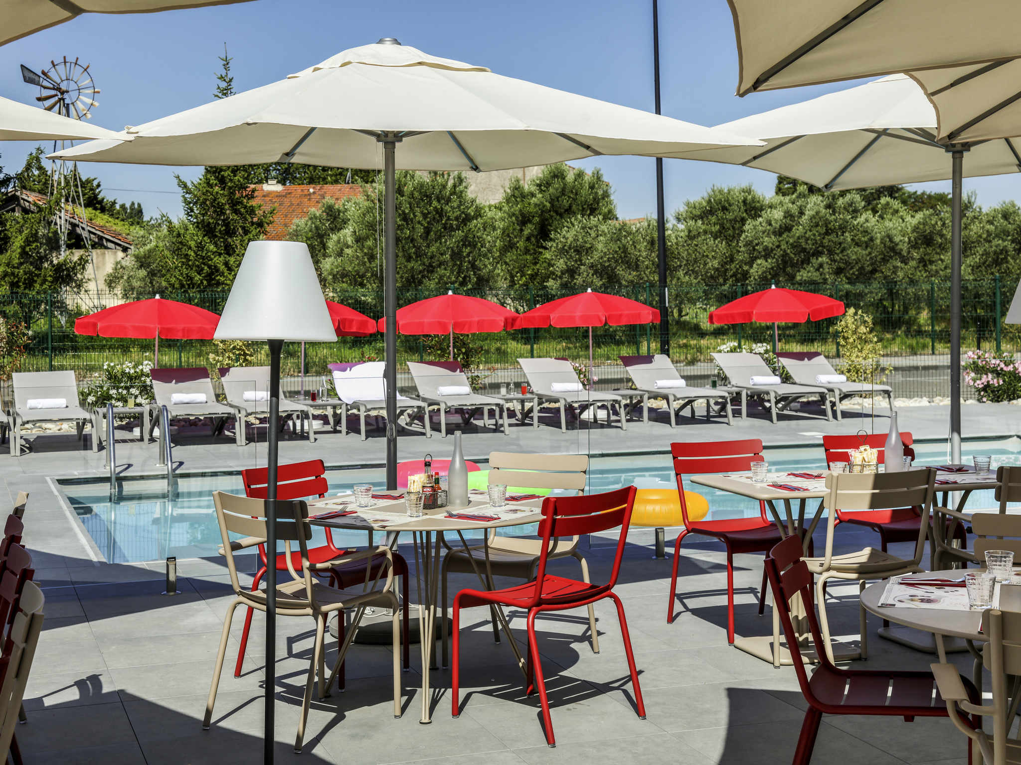 Hotel - ibis Orange Centre Echangeur A7 A9