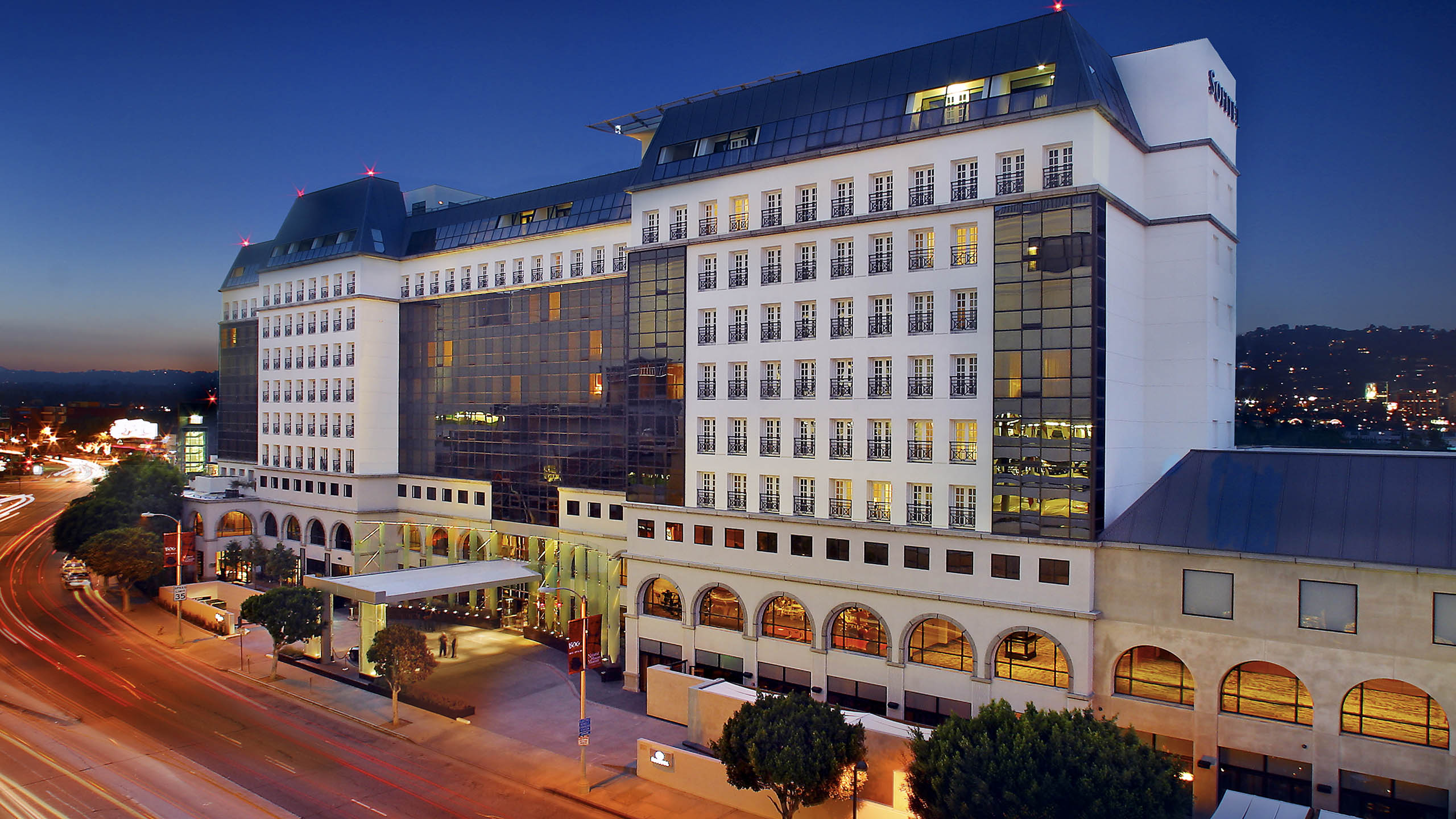 High Clab Hotels In Los Angeles