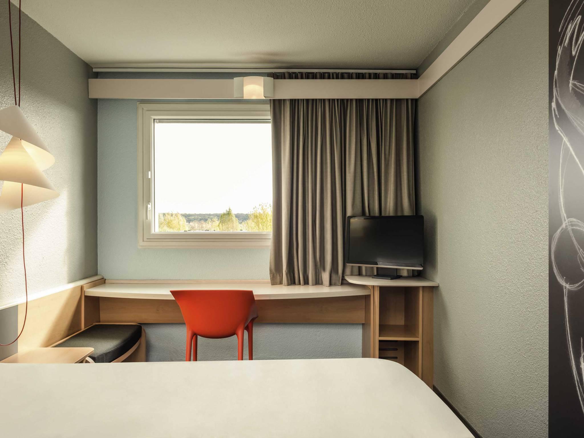 Hotel Ibis Le Chesnay