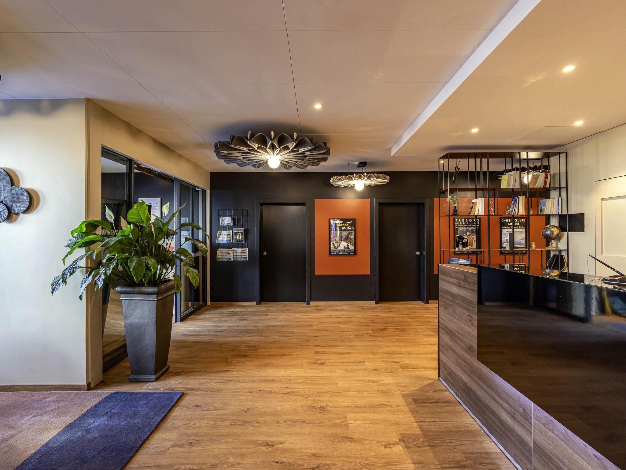 โรงแรม – ibis Sion