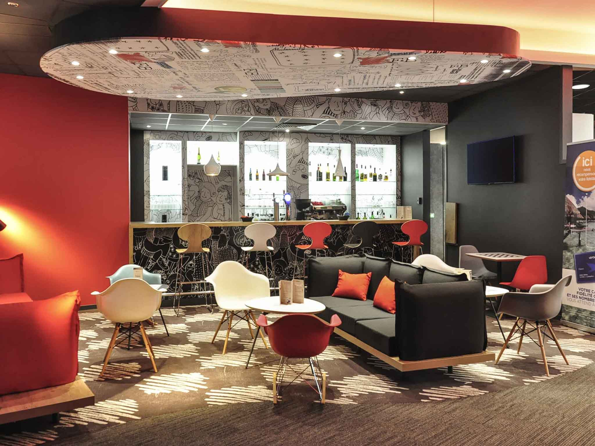 hotel di ibis le puy en velay centre ibis le puy en velay centre. Black Bedroom Furniture Sets. Home Design Ideas