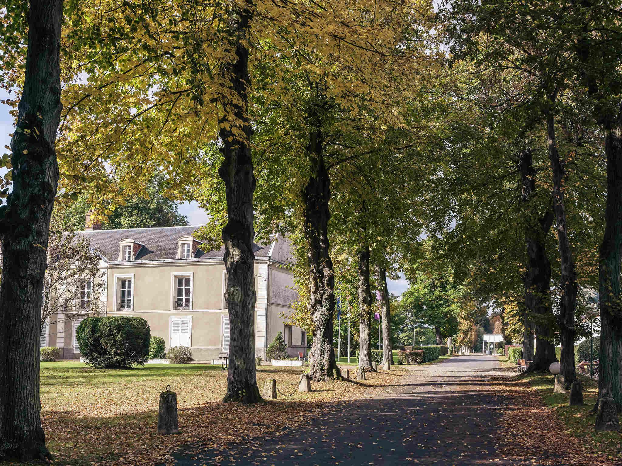 Отель — Hôtel Mercure Paris Sud Parc du Coudray