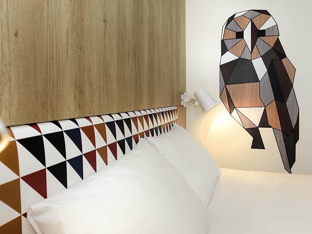 hotel pas cher caen ibis styles caen centre paul doumer. Black Bedroom Furniture Sets. Home Design Ideas