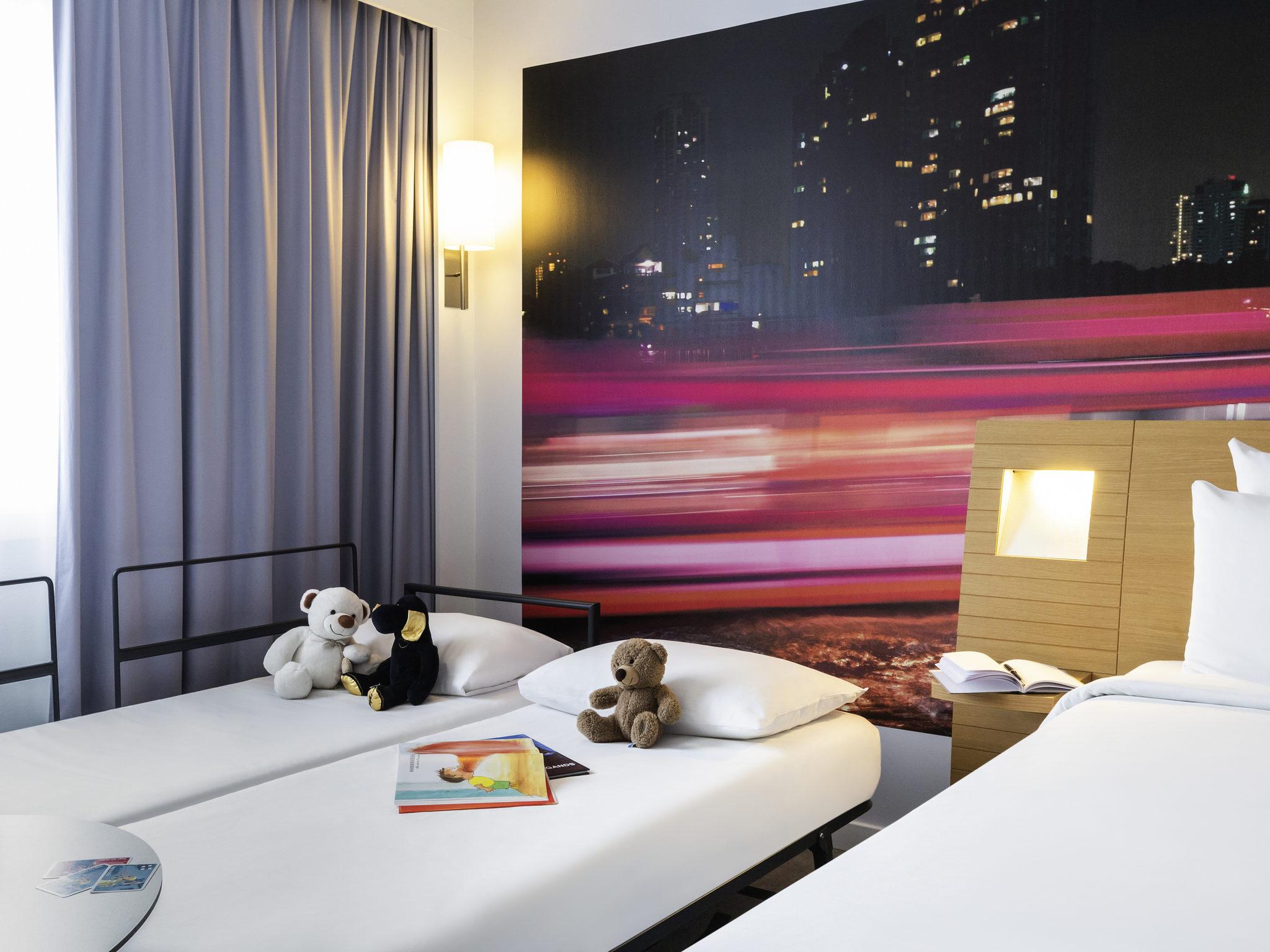 Hotel in bordeaux novotel bordeaux centre