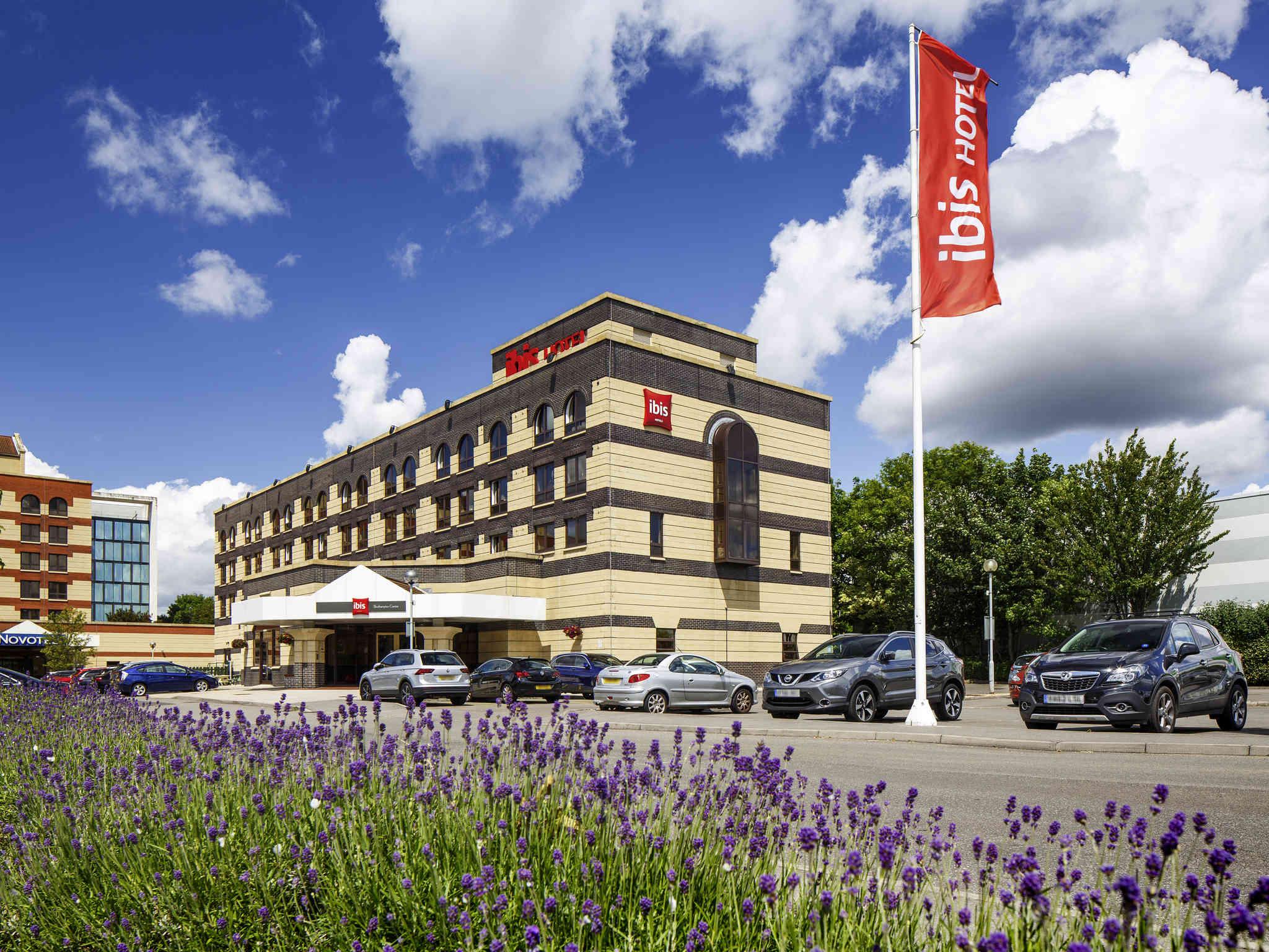Отель — ibis Саутгемптон Центр