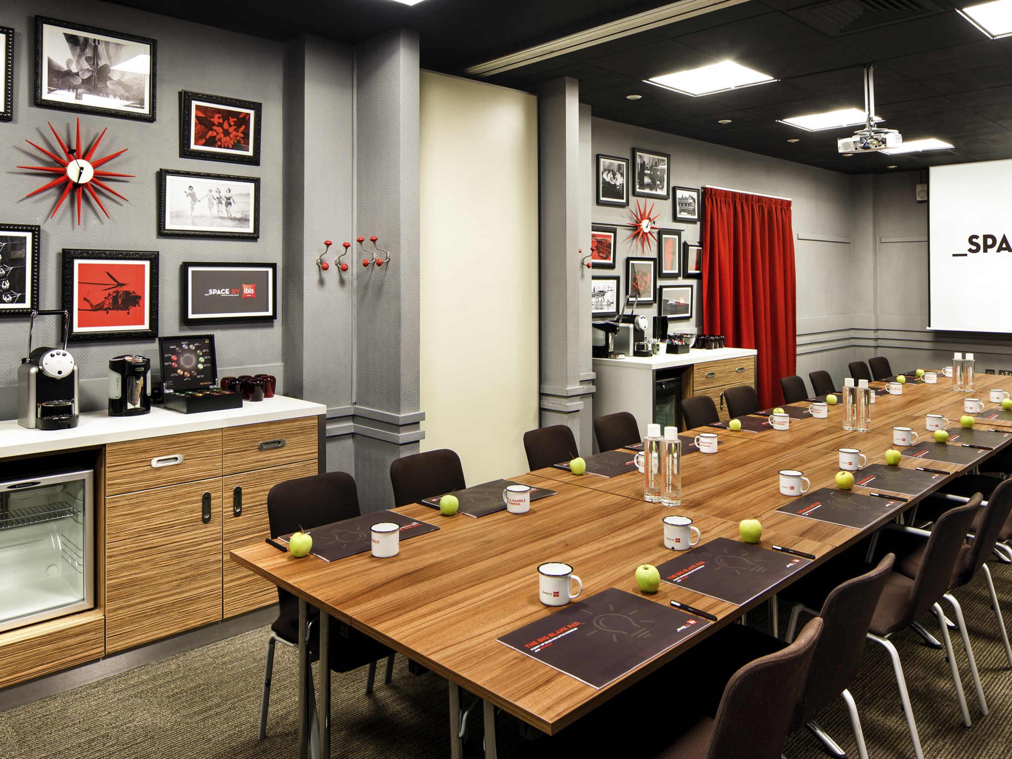 Ibis Southampton Centre | Modern Hotel in Southampton