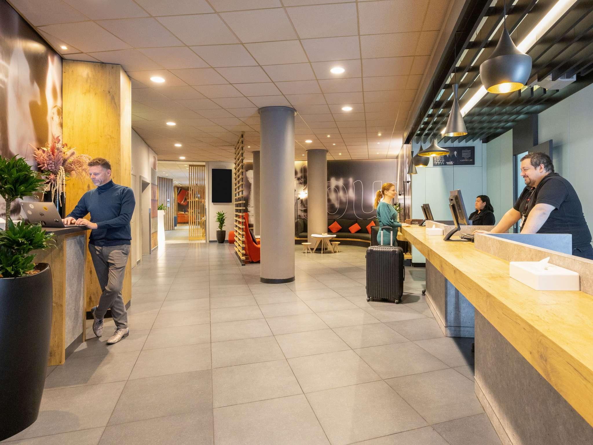 Отель — ibis Брюссель оф Гран-Плас