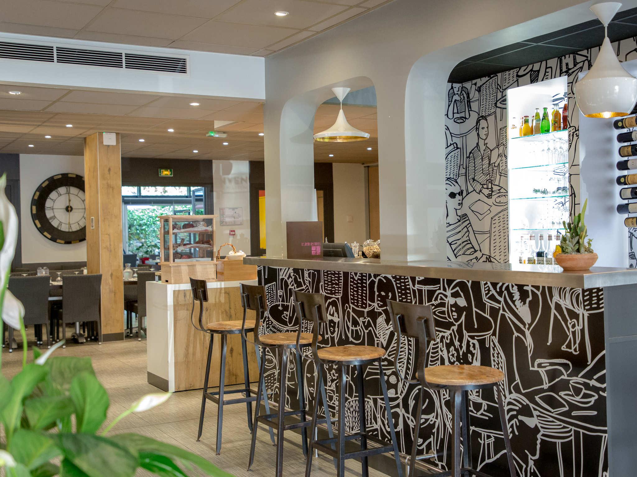 Amazing ... Bar   Ibis Brignoles Provence Verte ...