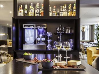 restaurant caf bar l 39 hotel h tel mercure nancy centre place stanislas nancy. Black Bedroom Furniture Sets. Home Design Ideas
