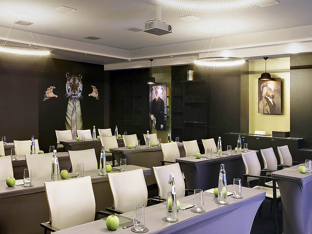 stylist and luxury sir la table. Our meeting rooms Luxury Hotel Brussels  Le Louise MGallery by Sofitel
