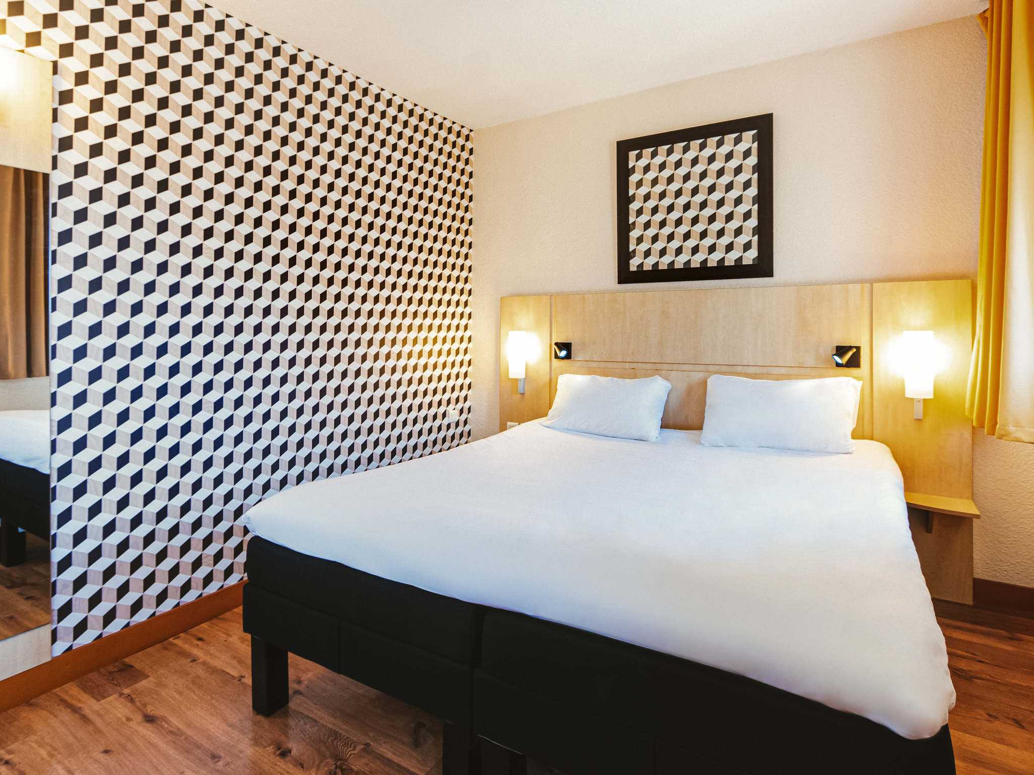 hotel in chateauroux ibis chateauroux. Black Bedroom Furniture Sets. Home Design Ideas