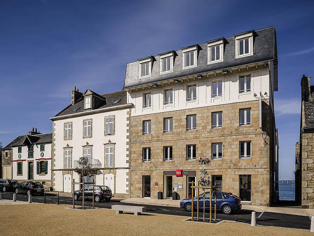 hotel in roscoff ibis roscoff bord de mer. Black Bedroom Furniture Sets. Home Design Ideas