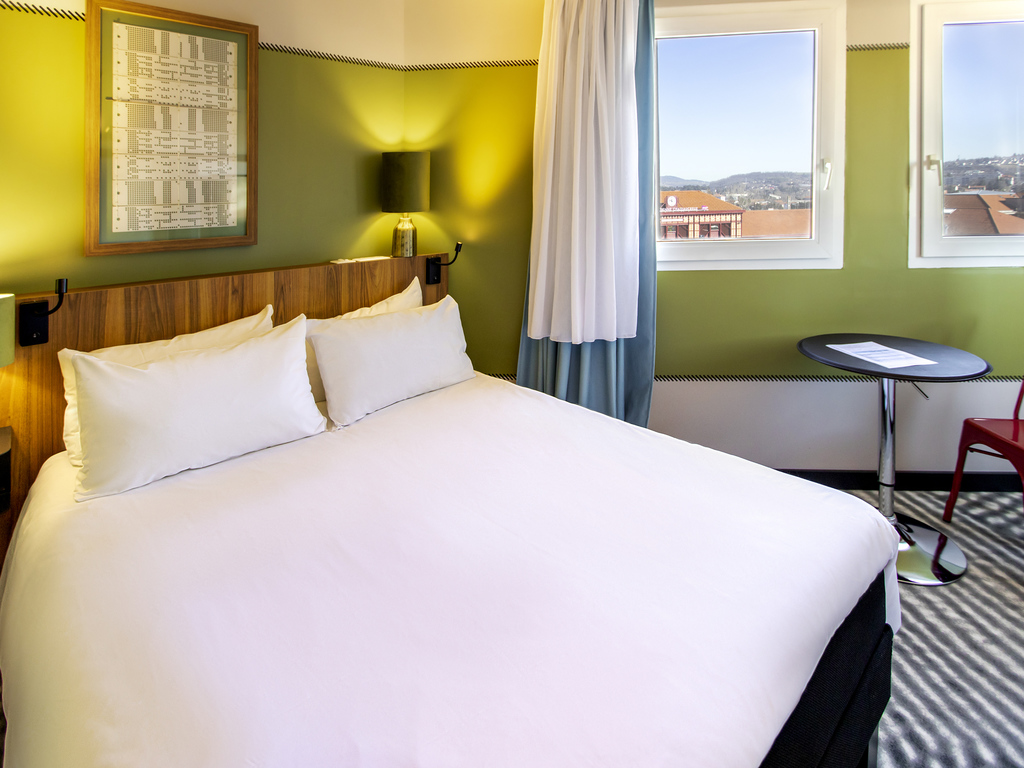 Hotel in saint etienne ibis saint etienne gare chateaucreux for Hotels ibis france