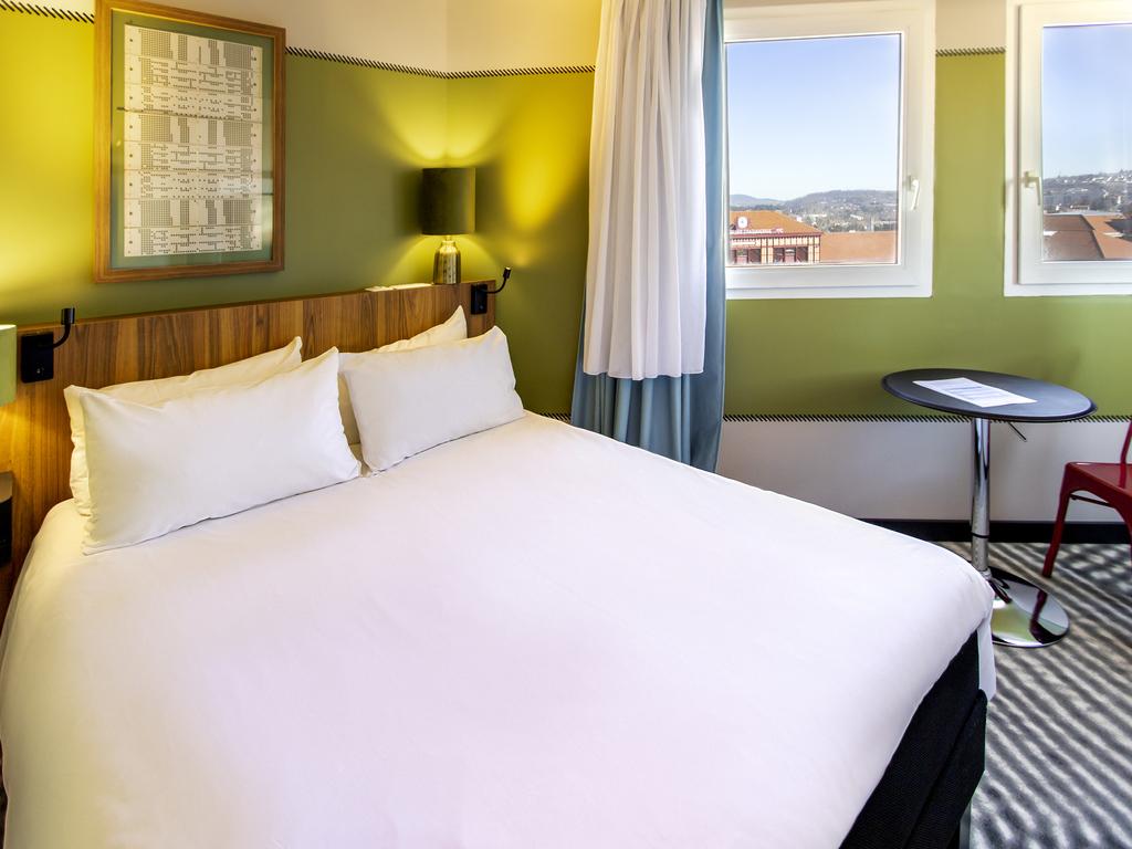 Hotel in saint etienne ibis saint etienne gare chateaucreux for Hotels saintes