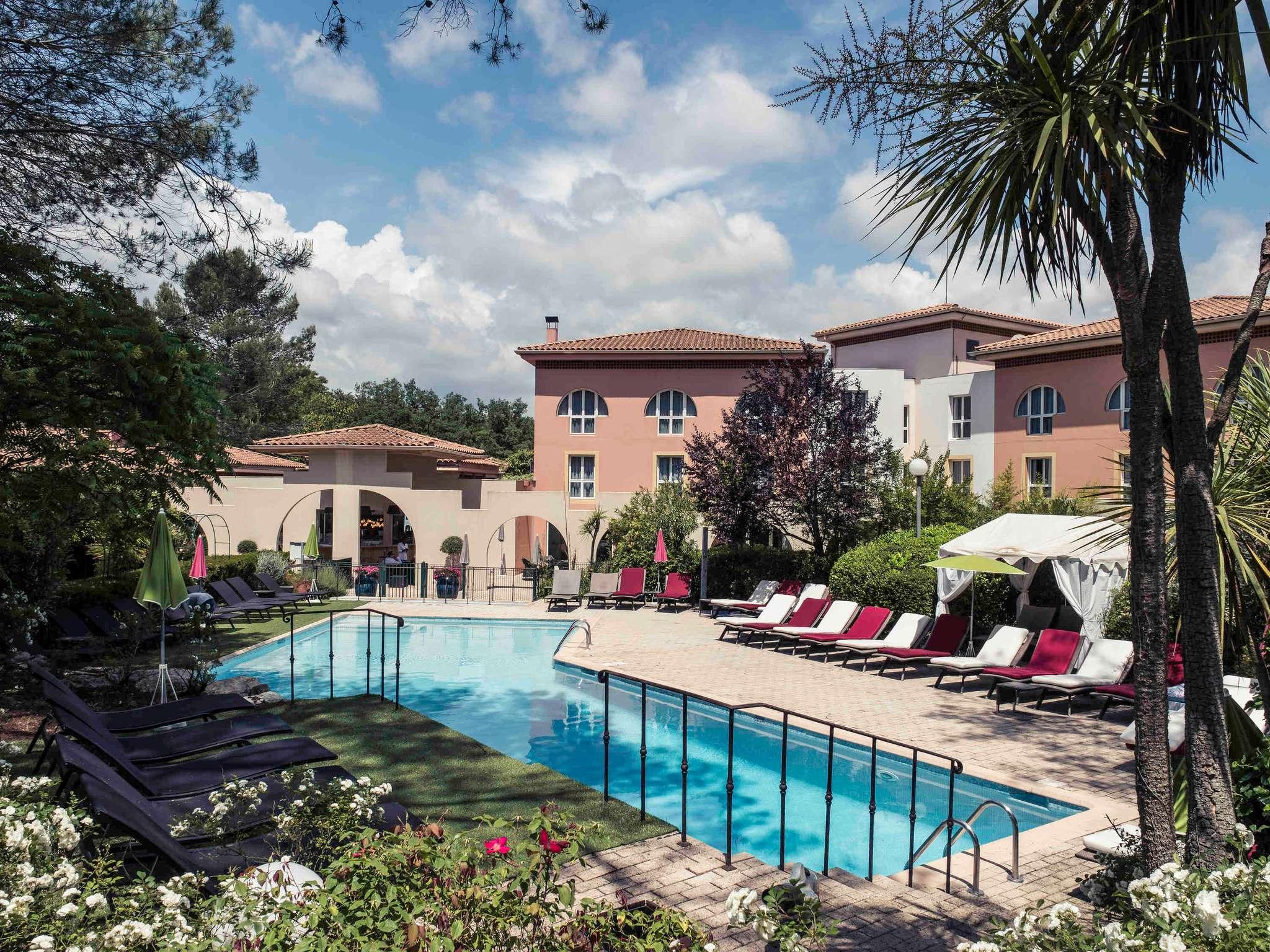 โรงแรม – Hôtel Mercure Antibes Sophia Antipolis