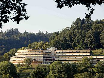美居弗赖堡全景酒店