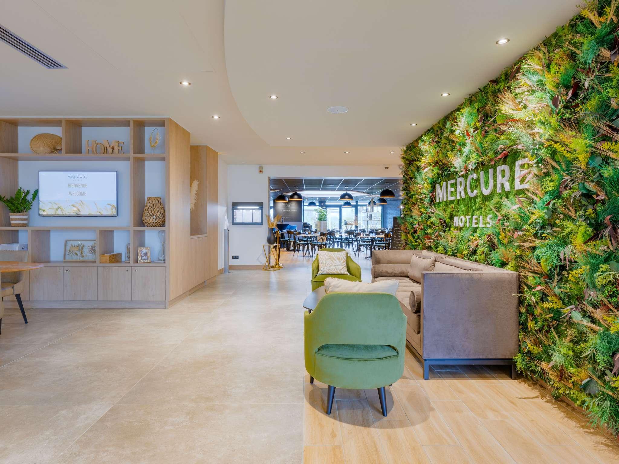 Hotel – Mercure Lyon l'Isle d'Abeau Hotel