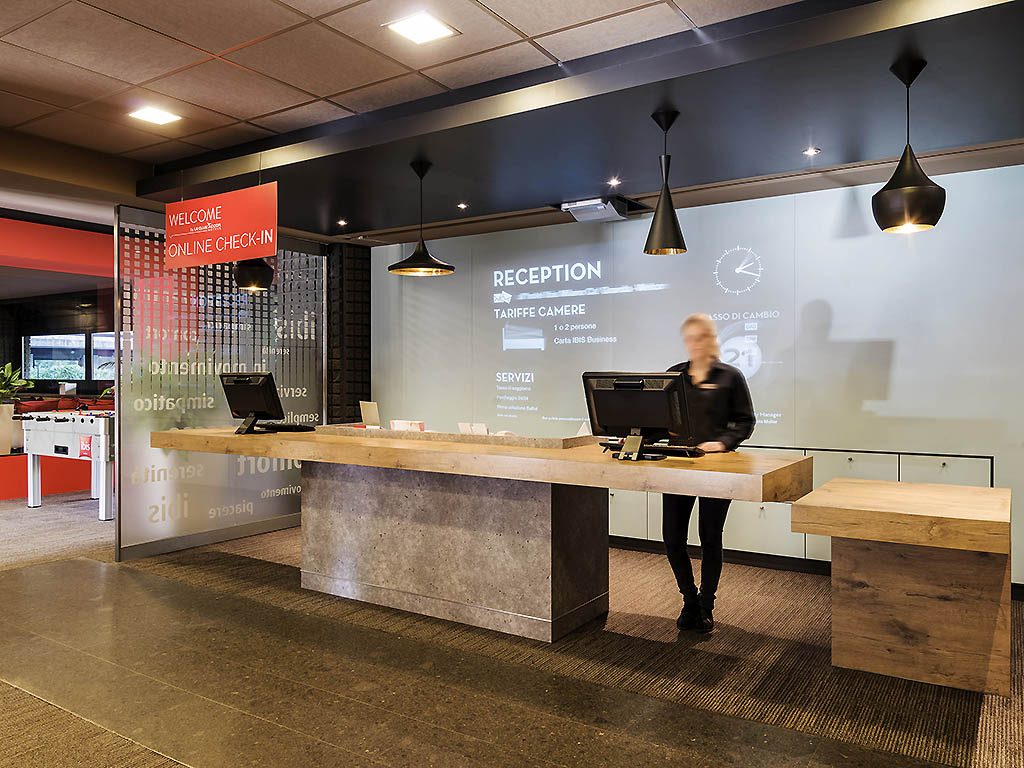 Ibis milan center hotel for Hotel design milano centro
