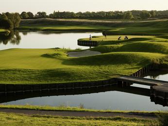 Novotel Saint-Quentin Golf National