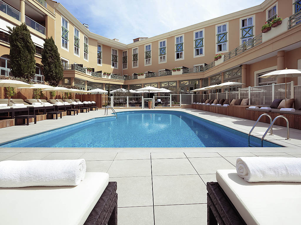 Hotel de luxe aix en provence grand h tel roi ren aix for Hotel avignon piscine