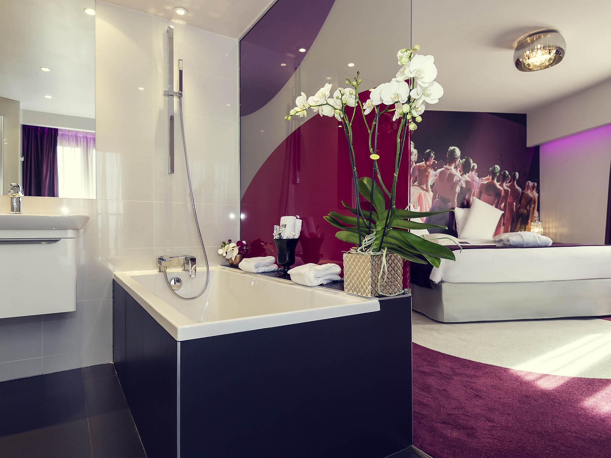 โรงแรม – โรงแรมเมอร์เคียว ปารีส ปลาส ดีตาลี