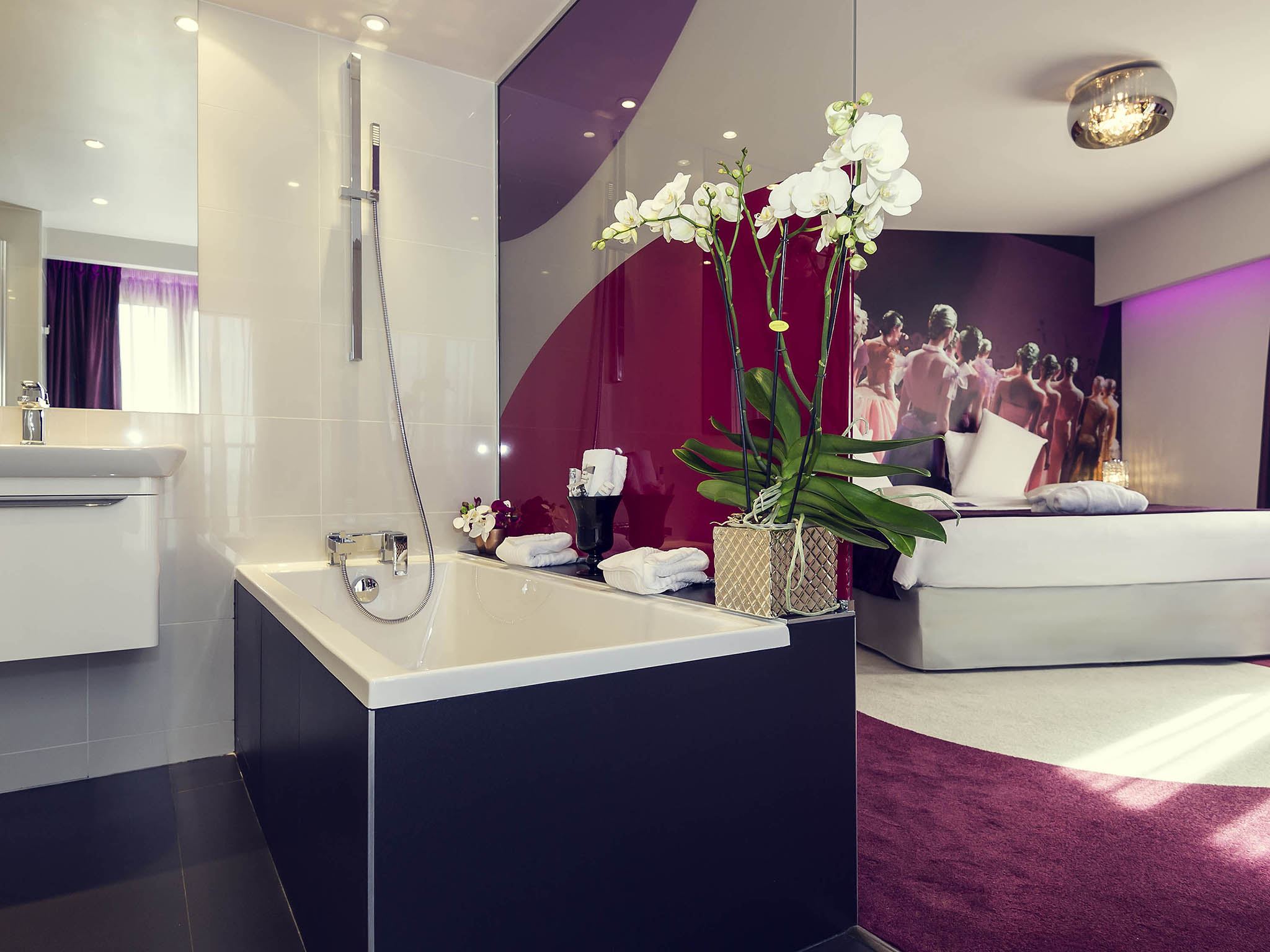 فندق - مركيور Mercure باريس بلاس ديتالي