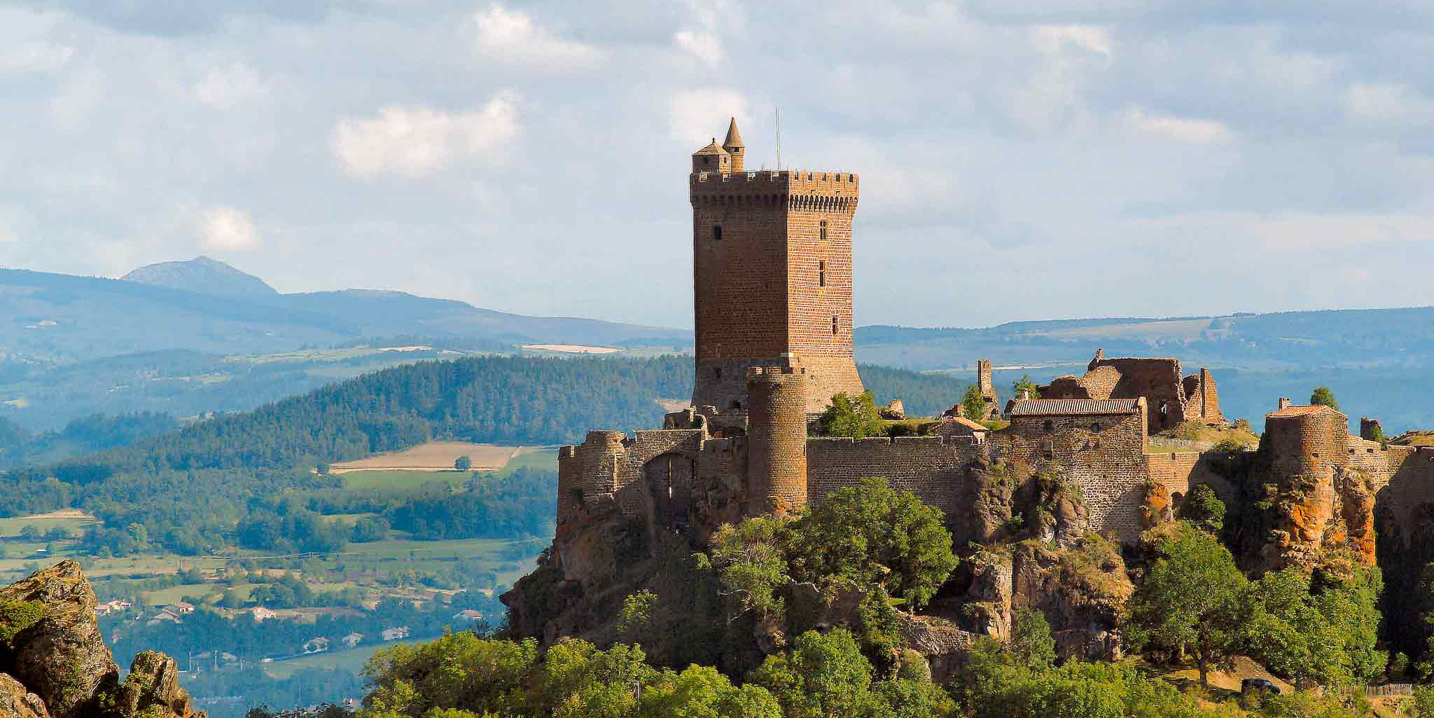 how to get to le puy en velay