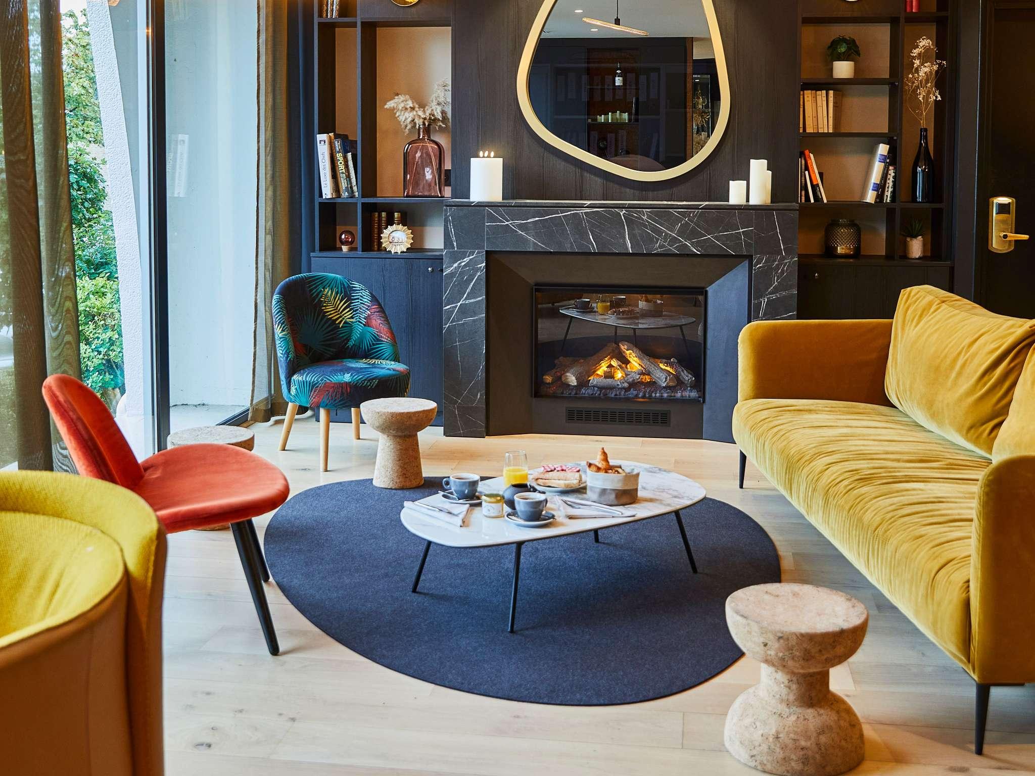 โรงแรม – Hôtel Mercure Beaune Centre